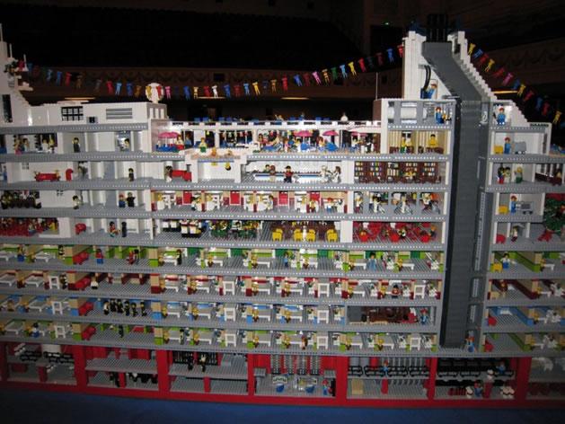 lego_love_boat_cutaway.jpg