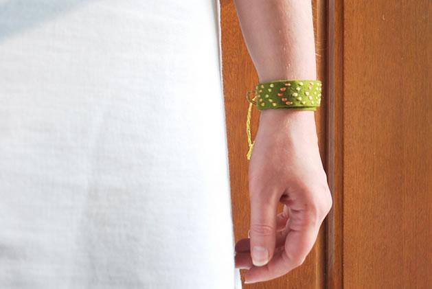 felt_friendship_bracelet.jpg