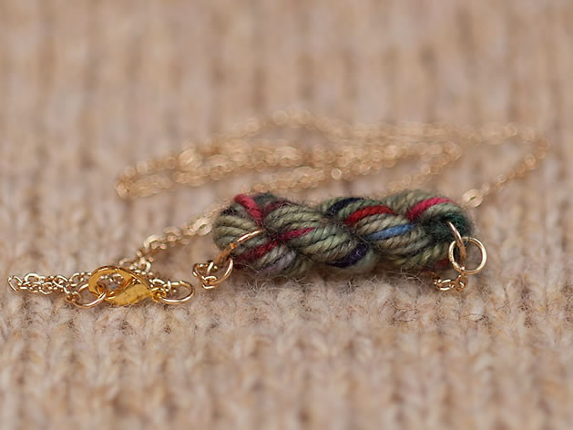 mini_yarn_skein_necklace_2.jpg
