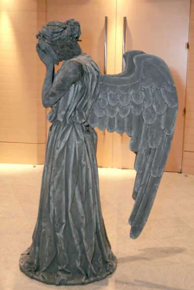 weeping_angel_costume_1.jpg