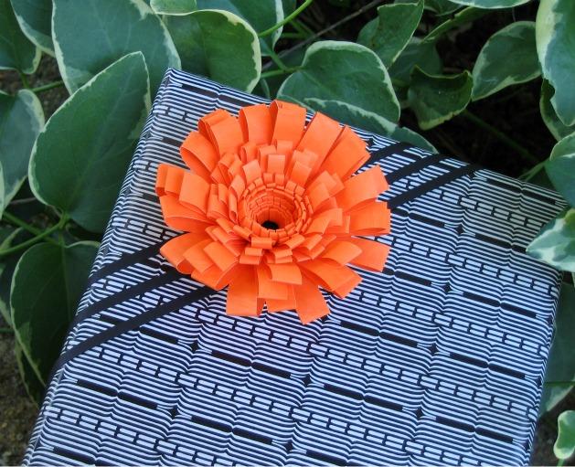 fringedflowergifttopper_finished1.jpg.jpg