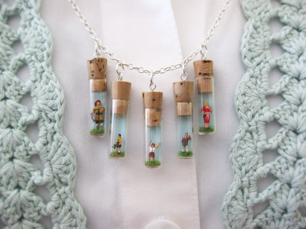 tinyfamilynecklace_finished2.jpg