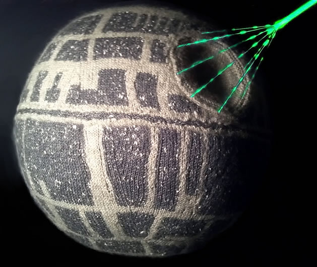 knit_death_star_pattern.jpg