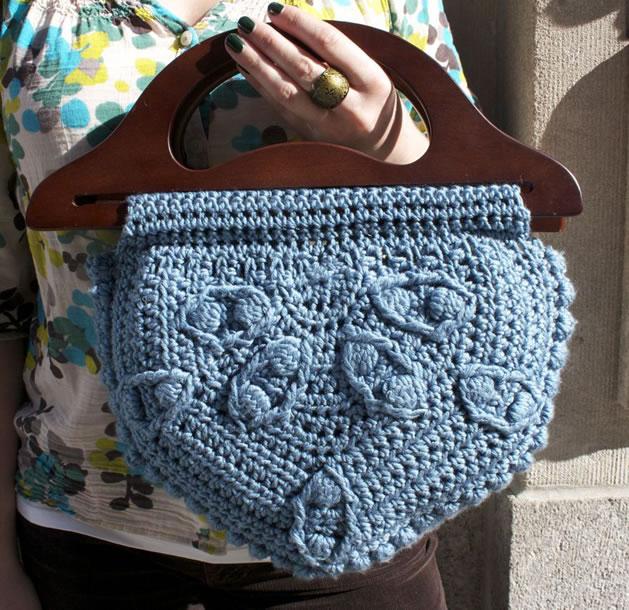 lion_brand_yarn_crochet_along_bag.jpg