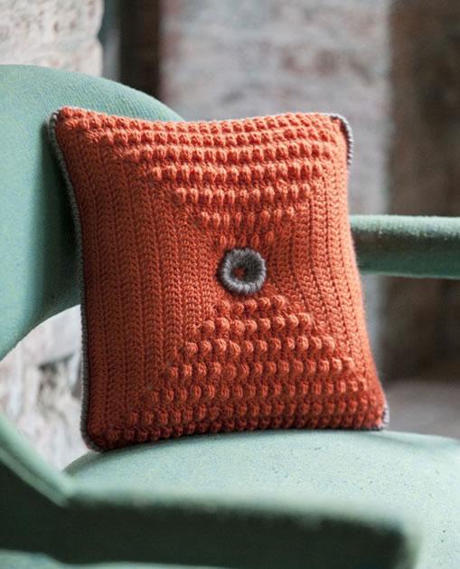 crochet_popper_pillow_linda_permann.jpg