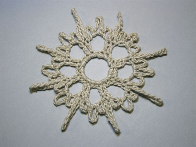 Crocheted_Snowflake_Ornaments_Step4.jpg