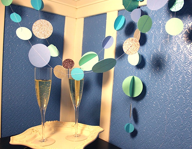 papergarland_finished2.jpg