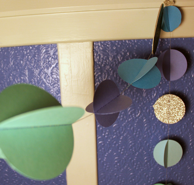 papergarland_finished3.jpg