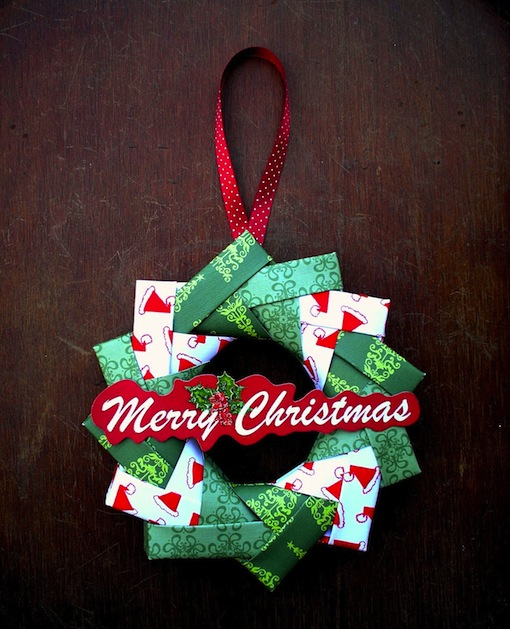 sandys_space_origami_wreath.jpg
