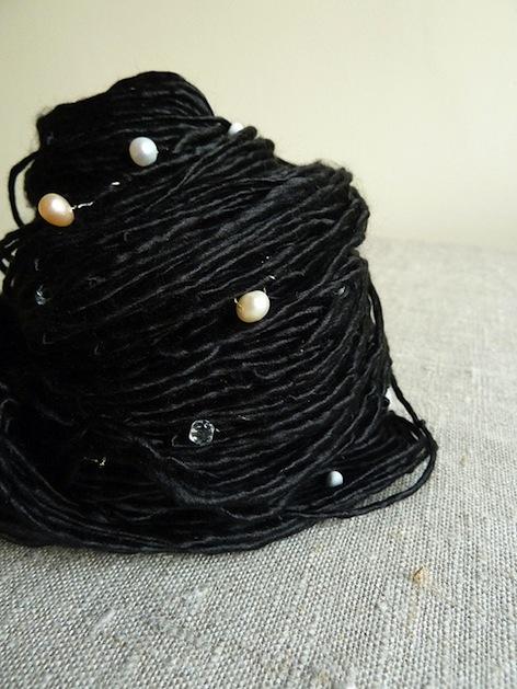 black_pearls_yarn_flickr_roundup.jpg