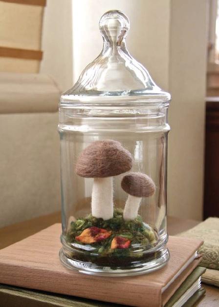 larkcrafts_needle_felted_mushroom_terrarium1.jpg
