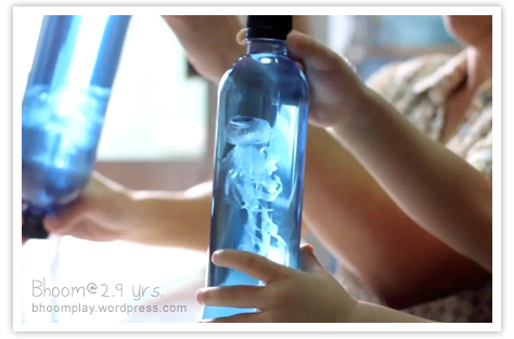 plastic_bag_jellyfish_in_a_bottle.jpg