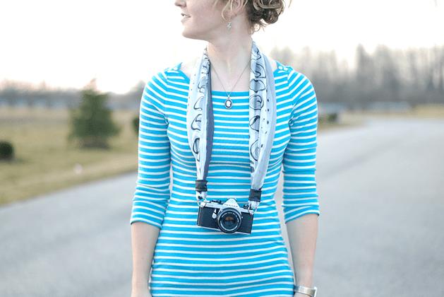 photojojo_scarf_camera_strap.png