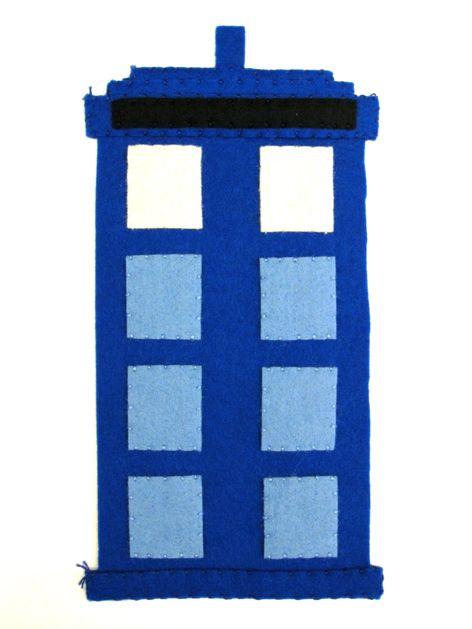 TARDIS_Phone_Charging_Station_Step04.jpg