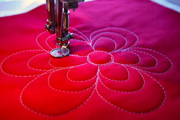 how_to_free_motion_quilt_flower_pattern.jpg