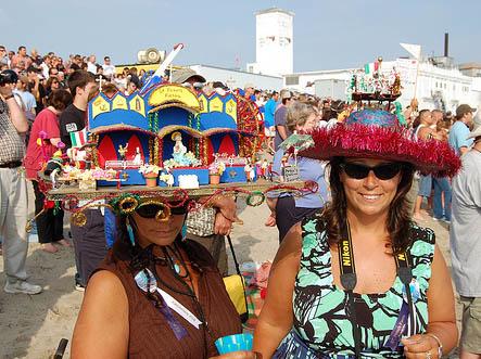 crazy-hat-Ladies-3.jpg