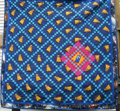 doctor_who_dalek_quilt_full.JPG