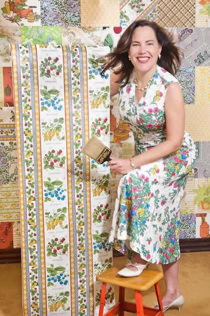 pam_kueber_vintage_wallpaper_portrait.jpg