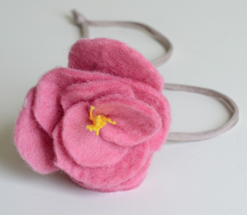 willowday_felt_peony_necklace.jpg