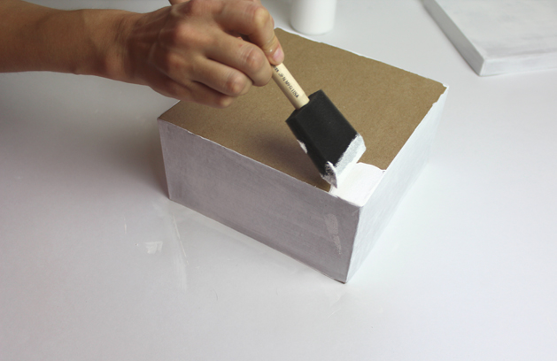 7-painting the bottom of the box.jpg
