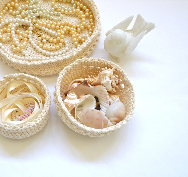 cream_crocheted_baskets_flickr_roundup.jpg