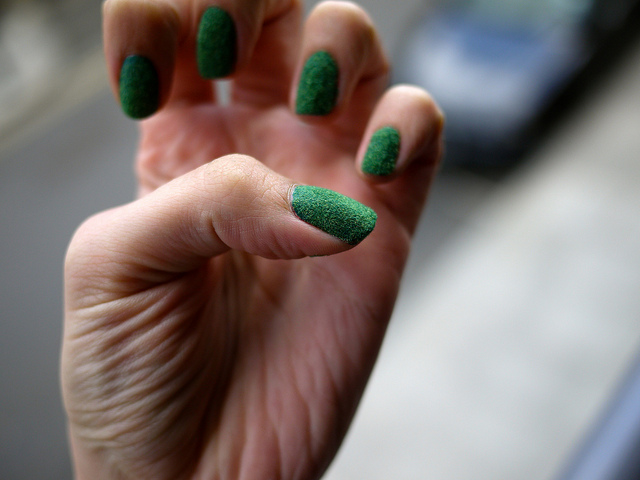green_flock_fingernails.jpg