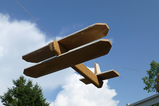 wooden_zipline_airplane1.jpg
