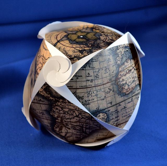 Ortelius Octreuleaux Globe