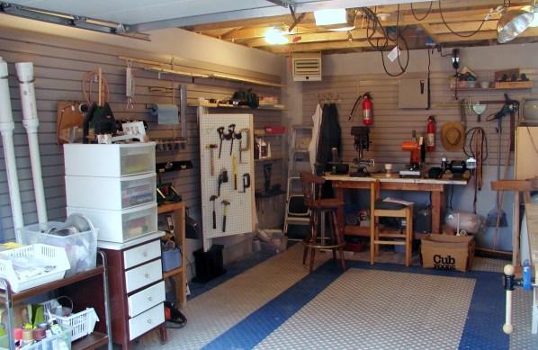 barrage garage interior 3