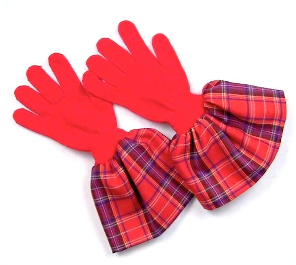 markmontano_ruffle_gloves