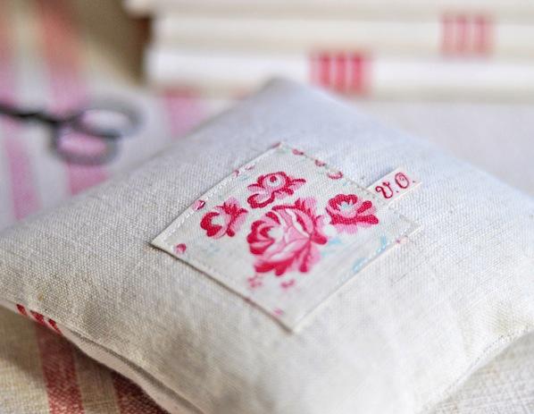 A_Little_Lavender_Pillow_flickr_roundup