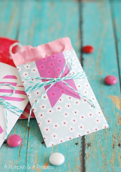 apumpkinandaprincess_mini_paper_pocket_valentines