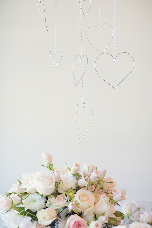 Ruffled-wire suspended hearts