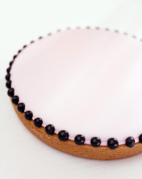 sweetopia_silhouette_cookies2