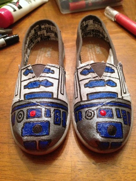 ilovetocreate_r2-d2_shoes_02