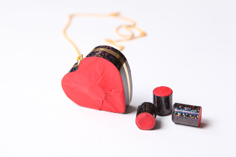 sacred-heart-pendant-3