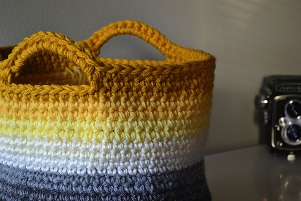 crochetincolor_ombre_crocheted_basket_02