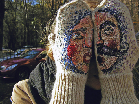 embroidered-mittens-1