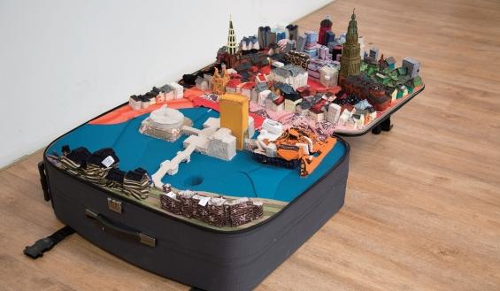 suitcase-city-1
