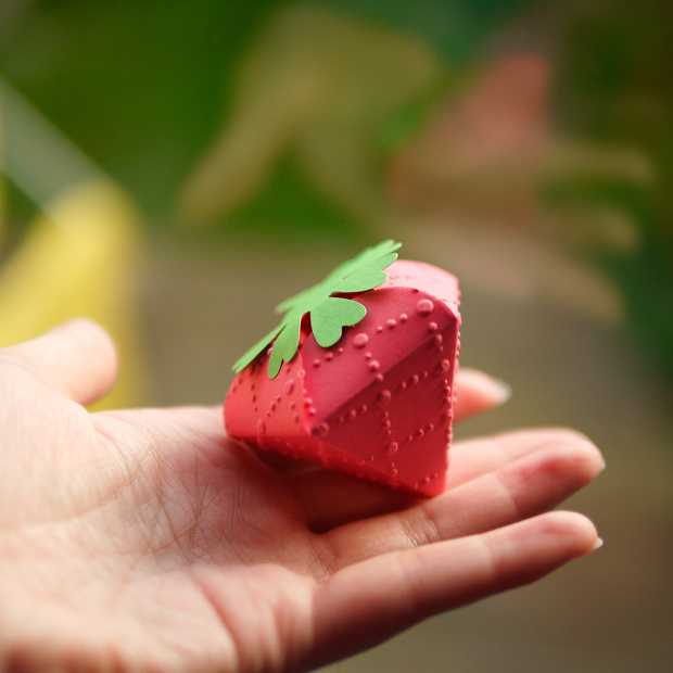 05_strawberry_box_flickr_roundup