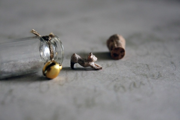 05_micro_wooden_stretching_kitten_flickr_roundup