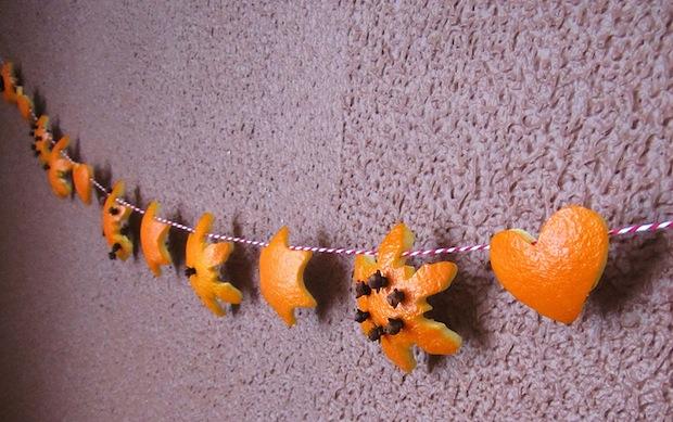 03_orange_peel_snowflake_garland_flickr_roundup