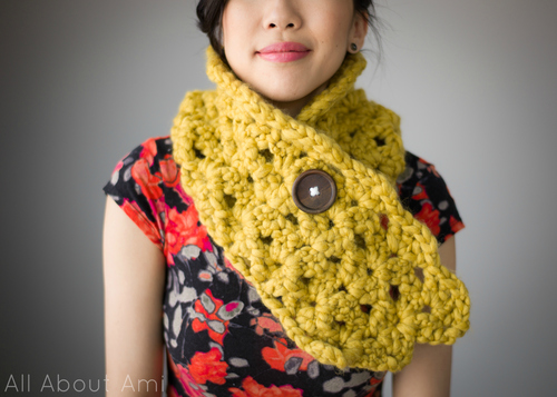allaboutami_crocheted_shell_stitch_cowl_01