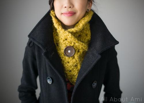 allaboutami_crocheted_shell_stitch_cowl_02