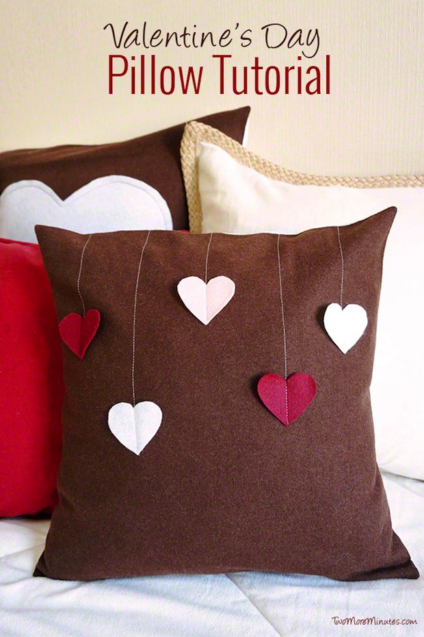 twomoreminutes_valentines_day_pillows_01