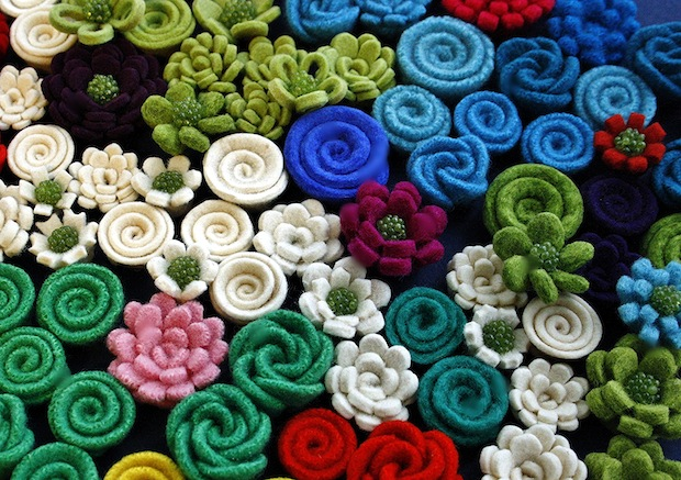 03_felt_flowers_flickr_roundup