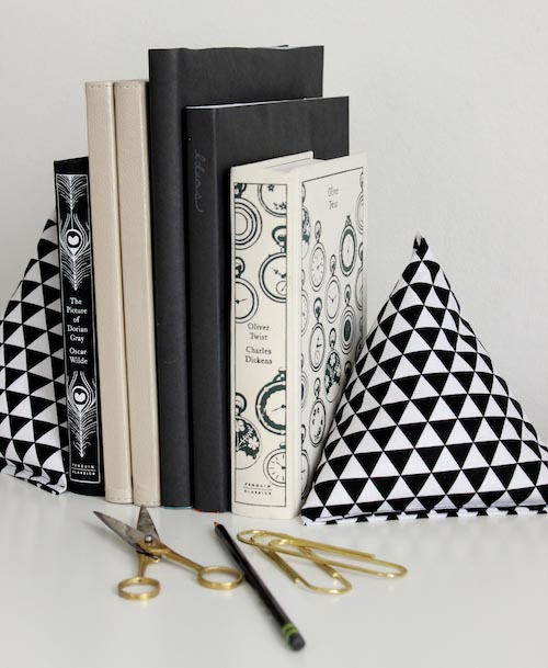 Fabric-Pyramid-Bookends-3