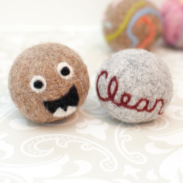 petalstopicots_wool_dryer_balls_01