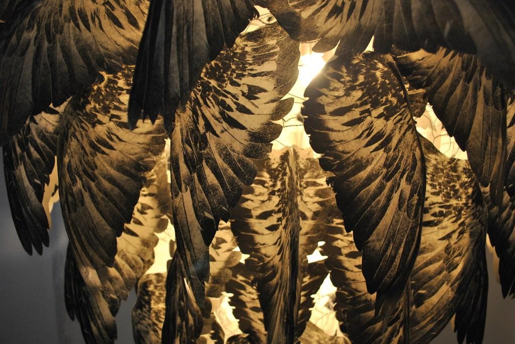 pigeon-wing-lamp-2