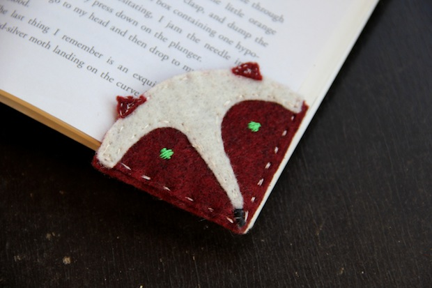 wakeandwhimsy_corner_bookmarks_02